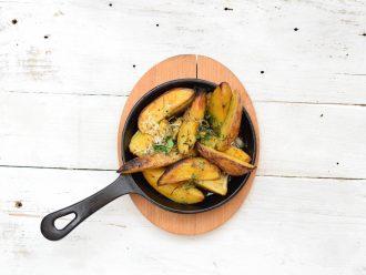 Печени картофки с масло и ароматни подправки