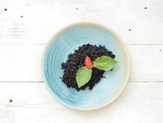 Черен ориз на пара