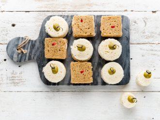 Детски сандвичи с шунка, масло и зеленчуци