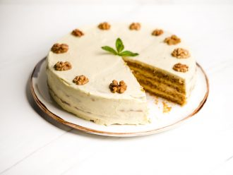 Морковен кейк с крем маскарпоне