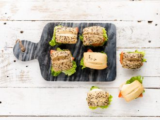 Сандвичи с мини хлебчета