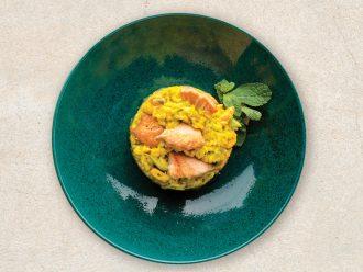 Risotto with salmon, zucchini, lemon and saffron