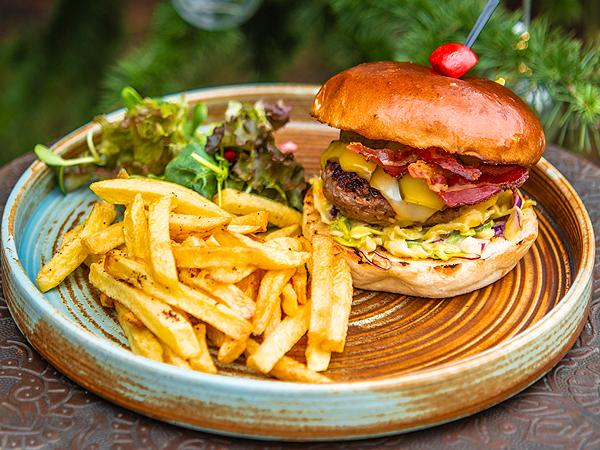 Бургер ,,Инканто'' от говеждо месо в Тексас стил