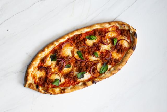 Пица Пиде с Телешко Рагу